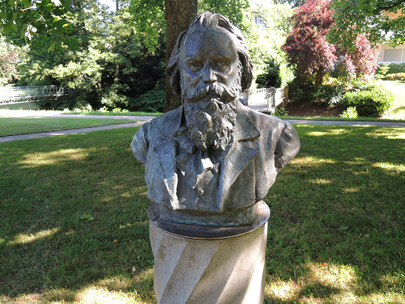 Bild.06-Bueste-Brahms